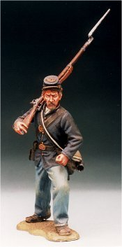 U20 - Attacking - Rifle over shoulder. 54mm Union infantry (unpainted kit) - EN STOCK