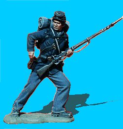 U22 - Attacking - Reaching for cartridge. 54mm Union infantry (unpainted kit).  Knapsack not included  - EN STOCK