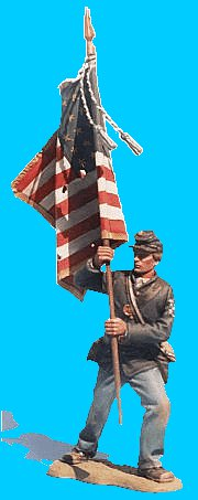 U23 - Attacking - Standard bearer. 54mm Union infantry (unpainted kit). Supplied with sheet lead flag - non disponible