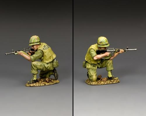 VN038 - Kneeling Marine Rifleman - disponible début mars
