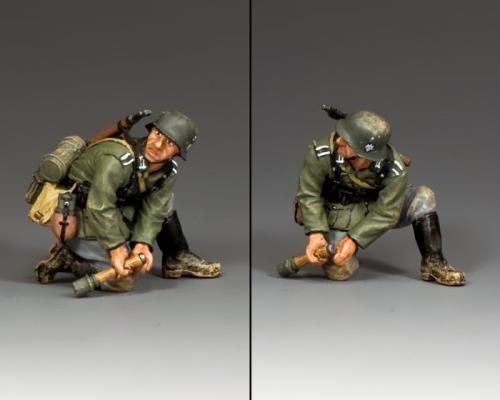 WH036 - Kneeling Grenadier