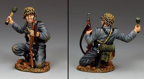 WH081 - Kneeling Panzer Grenadier