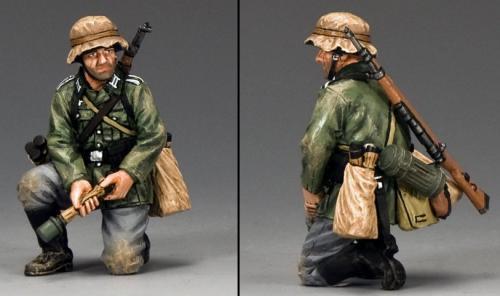 WS288 - Kneeling Grenadier