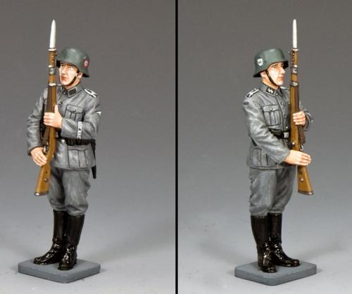 WS340 - Waffen SS Present Arms
